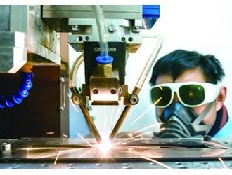 美伯克利实验室团队加入激光和反激光仪器研究