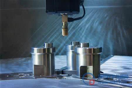 光电所在痕量水汽检测研究中取得进展